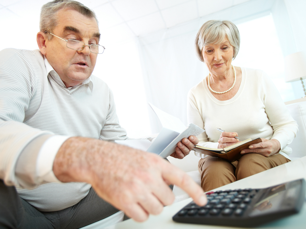 Платят ли пенсионеры налог на имущество и земельный налог в 2018 году